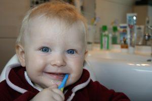 was hilft gegen Zahnen bei babys