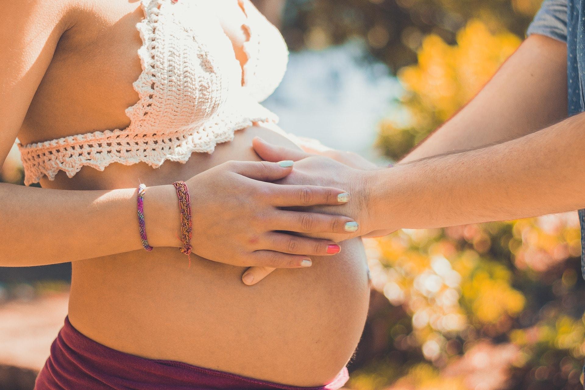 pregnant-2720434_1920-min(1)